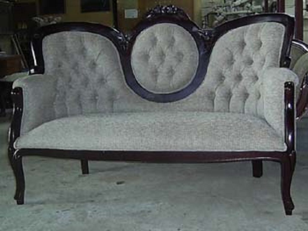 Mahogany wood antique reproduction furniture from jepara for Reproduction furniture