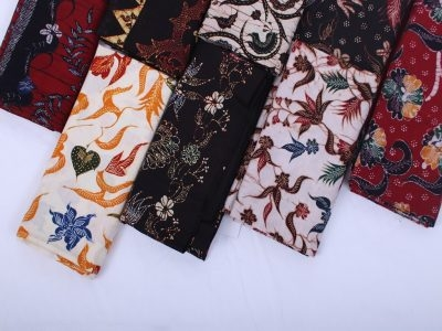 Handwriting Batik Fabric And Cloth Manufacturer From Madura